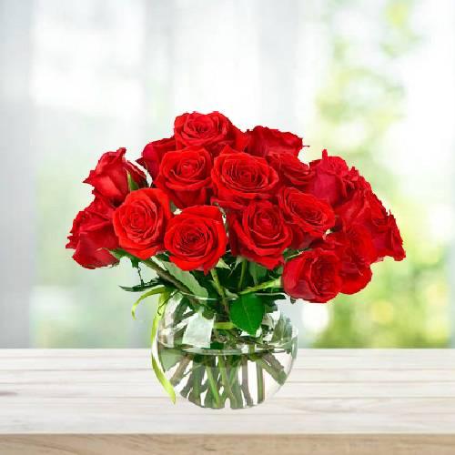 15 Red Rose Delightful Floral Arrangement and Round Glass Vase