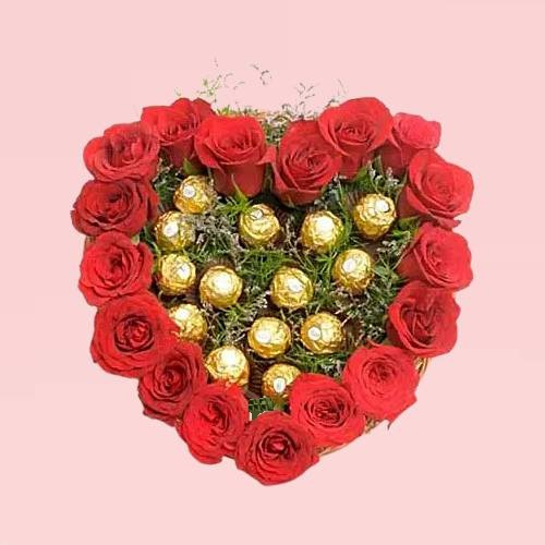 Arrangement Chocolate and Red Rose Heart Shape Love