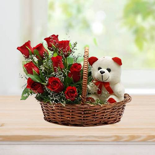 Basket of love Rose with Teddy Bear