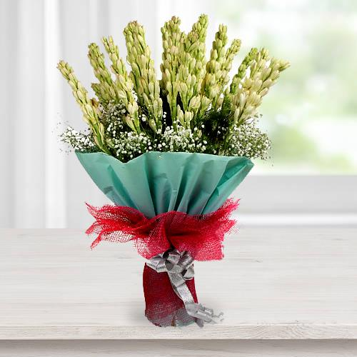 Rajnigandha Flower Bouquet